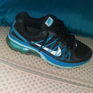 LOOKING FOR NIKE AIR MAX. 8 WOMANS