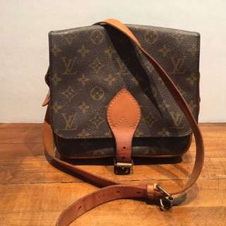 AUTH Louis Vuitton Cartouchiere MM