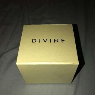 Divine White Watch