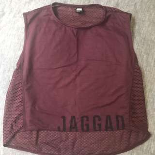 Jaggad Cropped Singlet - Size M