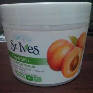 St. Ives Apricot Scrub Fresh Skin