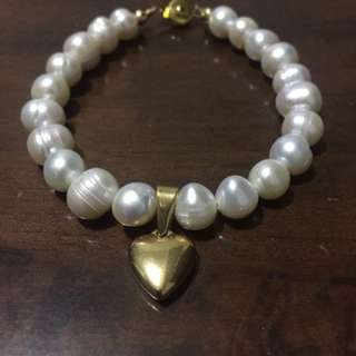 Fresh Water Pearl With Heart Pendant Bracelet