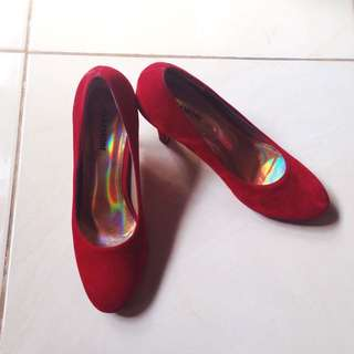 red shoes (no Brand)