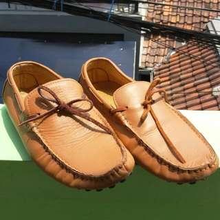 Sepatu Sz.41 Enormous
