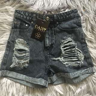 Daisy Street Distressed Grey Denim Shorts (8)