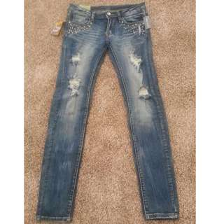 NWT Wet Seal Ripped Studded Jeans, Size: 11