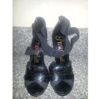 Black Stilettos, Size: 10