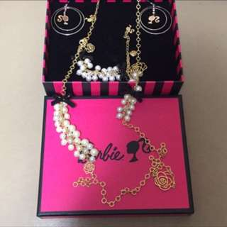 🚚 Barbie 項鍊手鍊耳環三件組