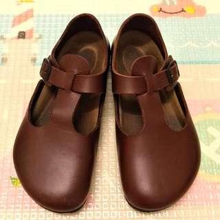 正版勃肯鞋36號(含運)