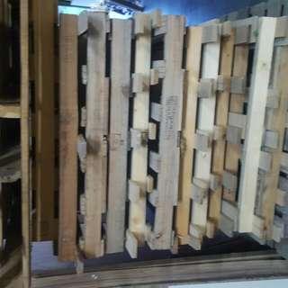 👉杉木 棧板 數量多洽請私密👈含運送👉另木工場地出租👌洽詢