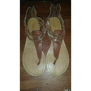 ✔REPRICED Authentic GUESS Flats