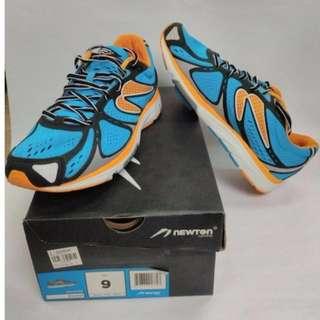 Newton Kismet Shoes (Men's size 9)