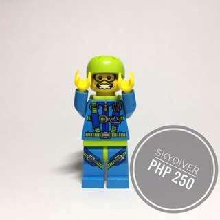 Lego Minifigure Skydiver