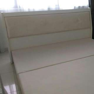 Brand New King Size Bed With Pull-out Drawers