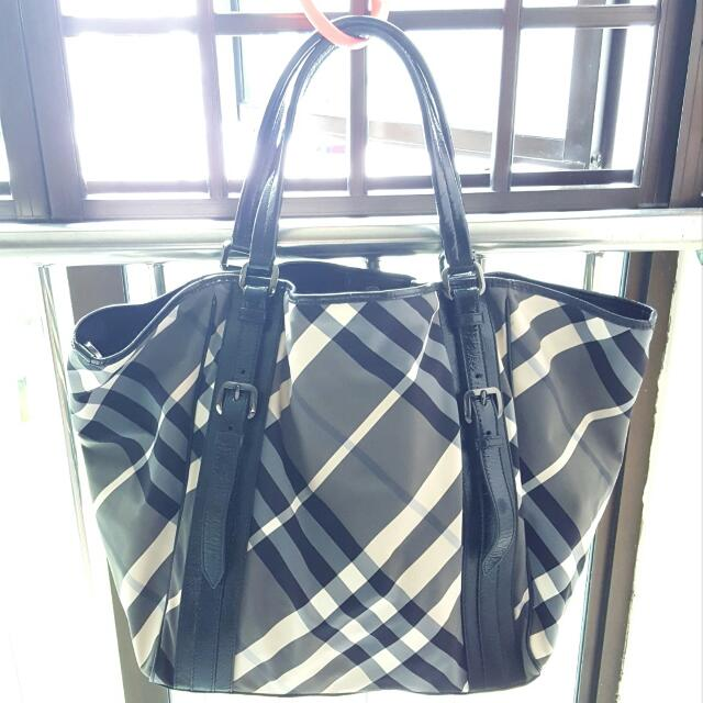 46c999777f8a Authentic Burberry Black Nylon Check Beat Tote in Biggest Size ...