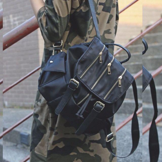 (現貨)多鍊皮扣後背包