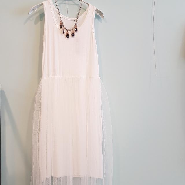 全新韓。內搭無袖白色紗裙