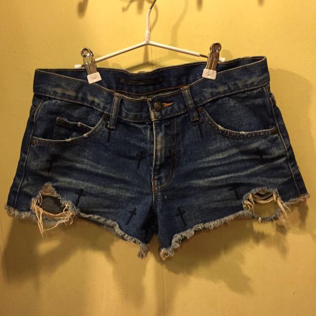 十字刺繡牛仔短褲