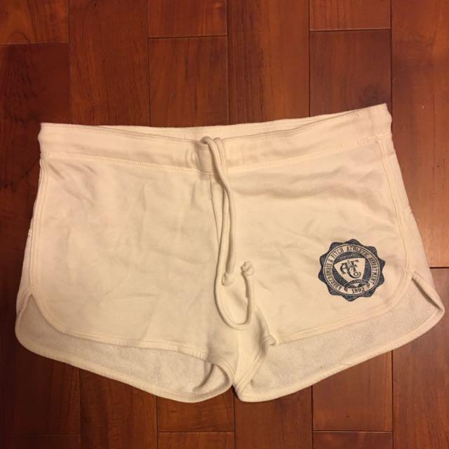 正版美國潮牌A&F短褲 Size s 米白
