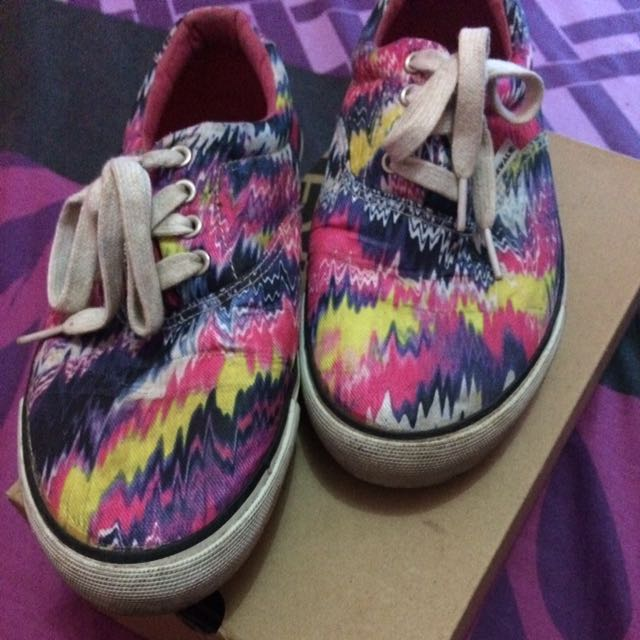 Airwalk Tribal Pink