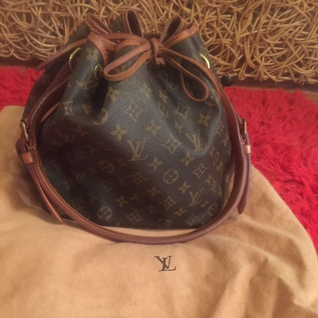 Authentic Louis Vuitton Monogram petite noe