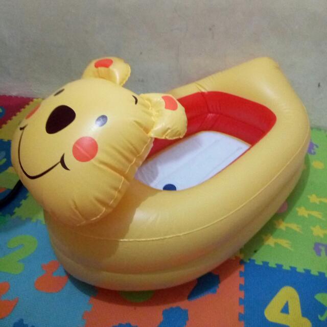 Ban Winnie The Pooh