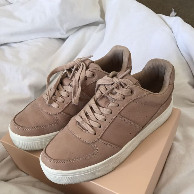 BLUSH PINK LEATHER SNEAKERS