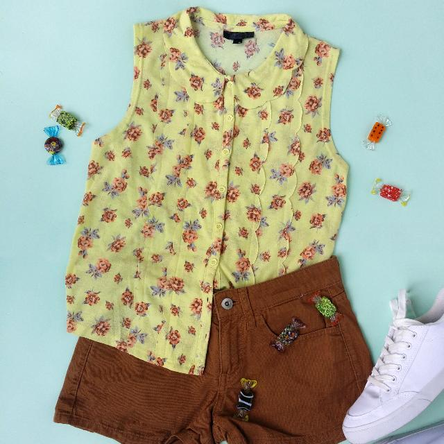 BUNDLE Topshop Top and Uniqlo Shorts