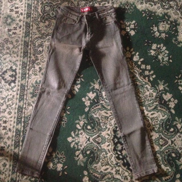 Celana Jeans Coklat