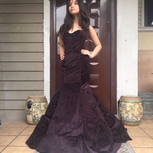 Classic Serpentine Velvet Gown with Sweetheart Neckline For Rent