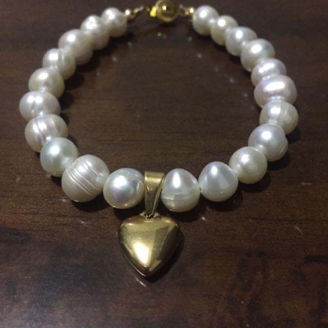 Fresh Water Pearl With Heart Pendant Bracelet