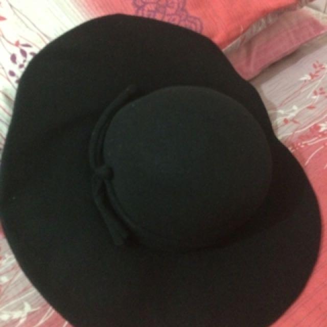 H&M hat , topi bundar, pantai