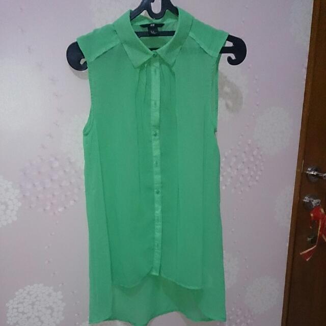 H&M Sleeveless Shirt