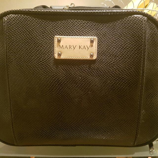 mary kay black cosmetic case