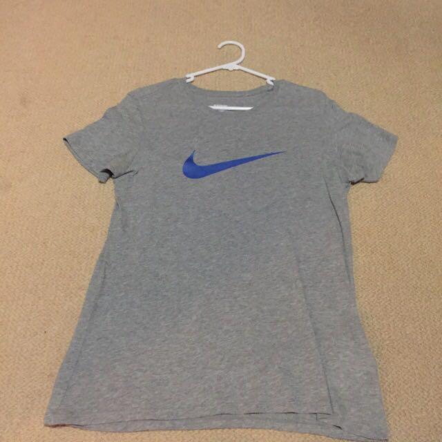 Auth Nike T-shirt