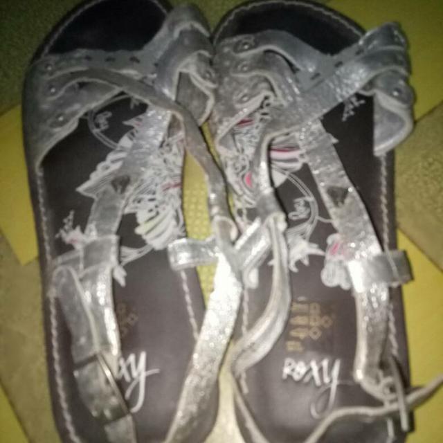 ( BOLEH BARTER )Sepatu Sandal Roxy Termasuk Ongkir