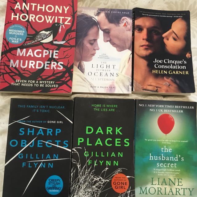 Books. Gillian FLYNN , Liane Moriarity Etc