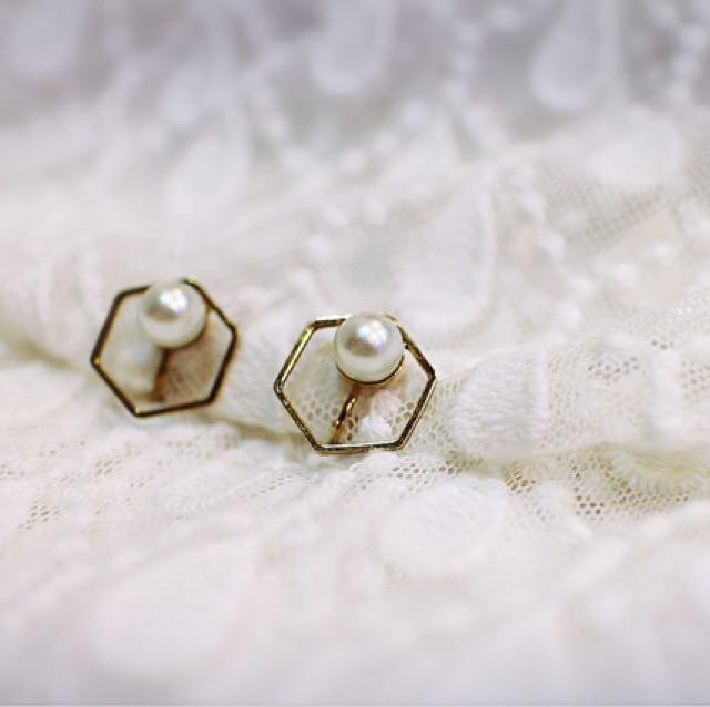 Tentez Bijoiterie古風首飾專賣店 獨家手作設計 簡約包浩斯 鏤空六角珍珠耳環(百搭白)針式夾式