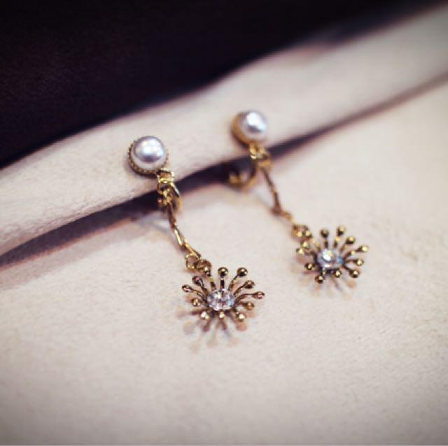 Tentez Bijoiterie古風首飾專賣店 獨家手作設計 小巧細緻優雅小閃光垂墜珍珠耳環 夾式針式