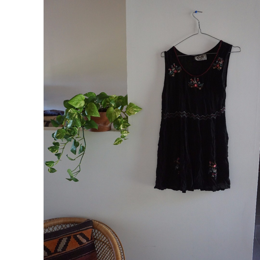 Vintage Black Emboridery Flora Dress