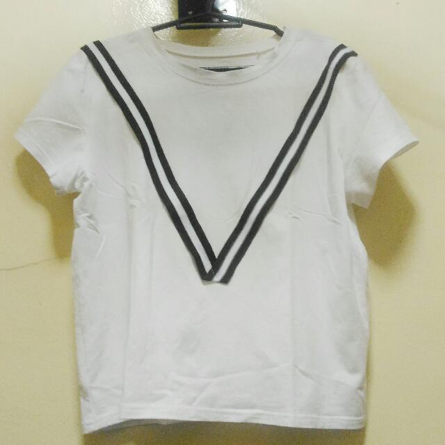 White Shirt With V Stripes