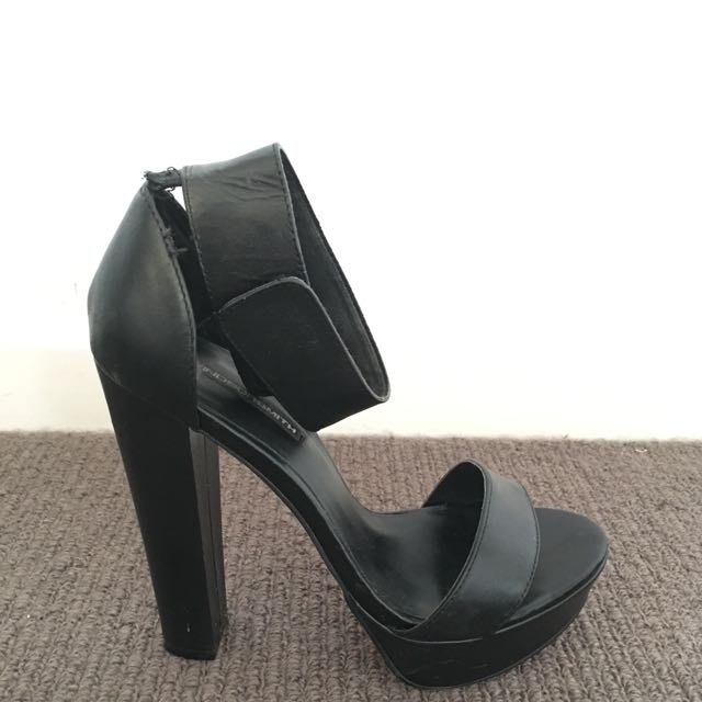 Windsor Smith heels S7.5