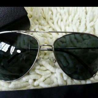 bdd50e3ea5ad Fast Deal  220 Authentic Burberry Sunglass Use. ( Unisex)