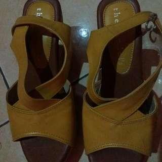 Sandal Sepatu Thesandal's