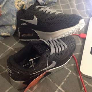 Childrens nike air max