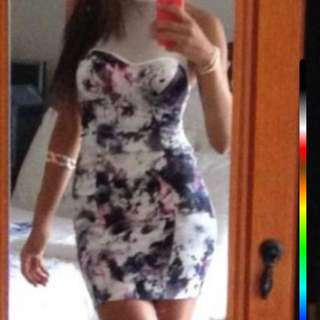 Dress. Fits Well. Me In Photo