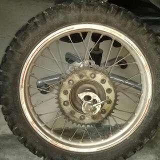Xr 400 front wheel
