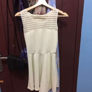 dress warna cream