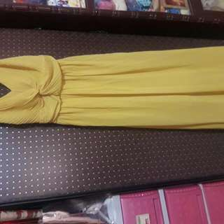 Unbranded Simple Yellow Gown