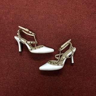 Hue Manila (Charmed) | Valentino Studded Shoes Replica